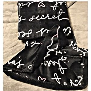 NEW! Victoria's Secret Sherpa blanket
